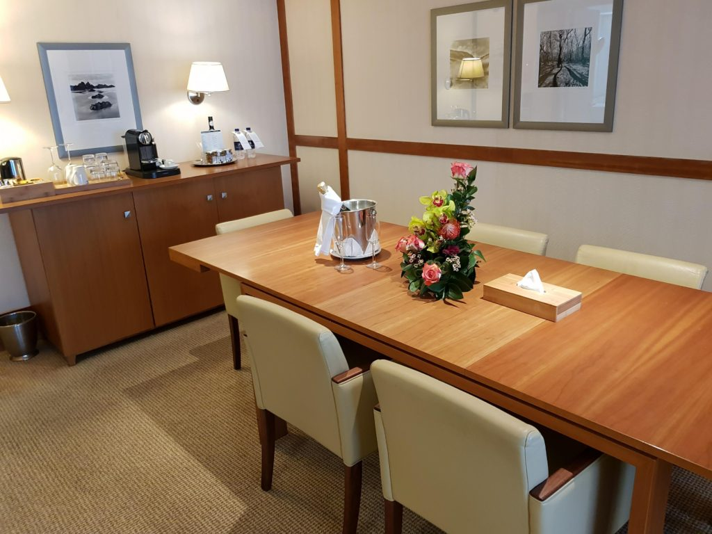 Owner's suite dining