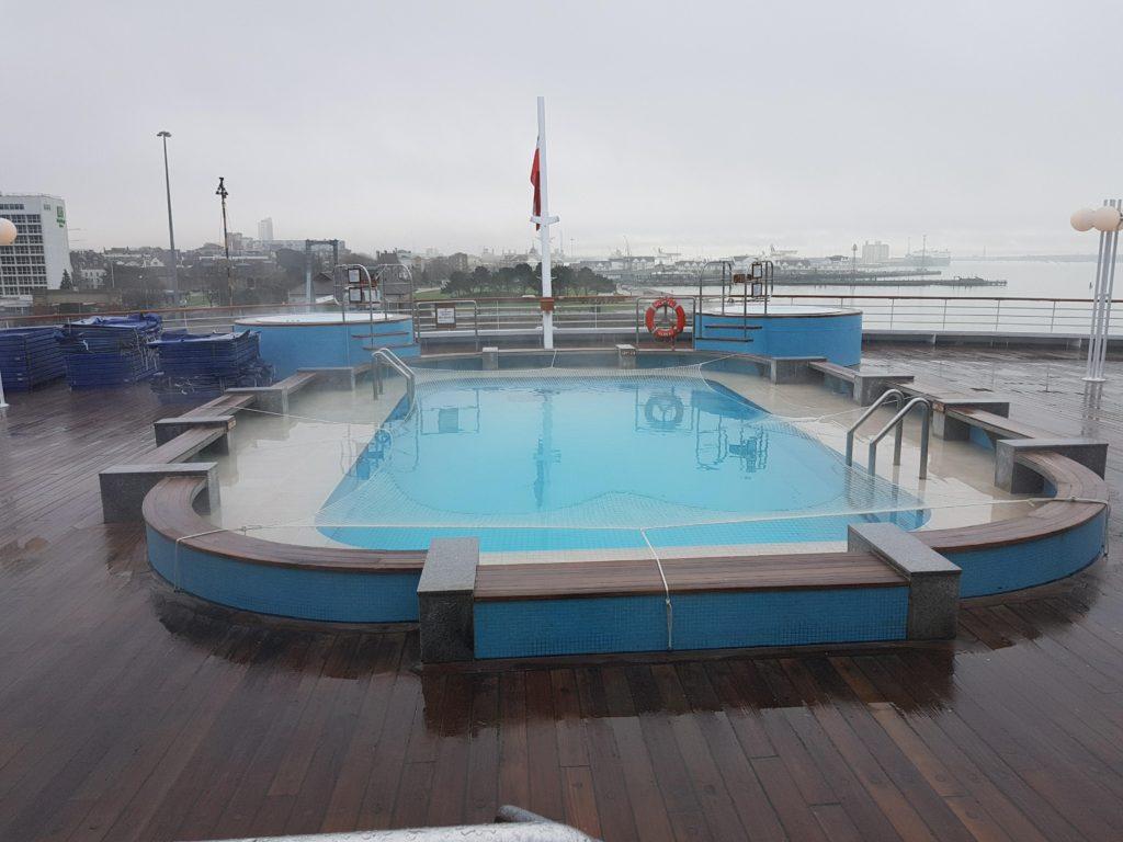 Deck 7 pool