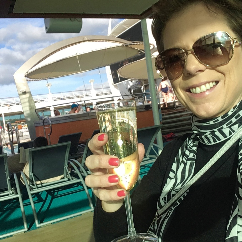 Flavia from shipsandchampagne.com