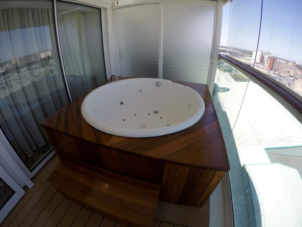 Royal Suite hot tub