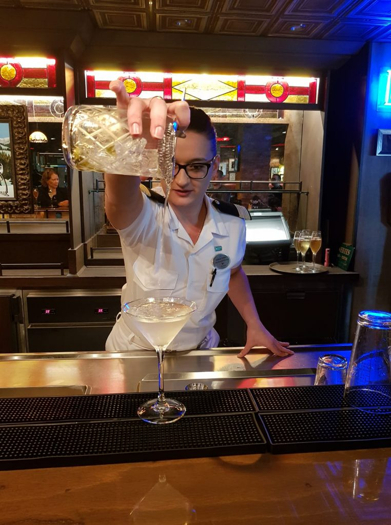 A cocktail making class on Norwegian Breakaway