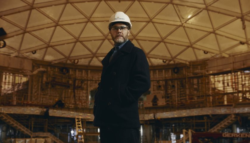 Gary Barlow in the shipyard. Photo: P&O Cruises